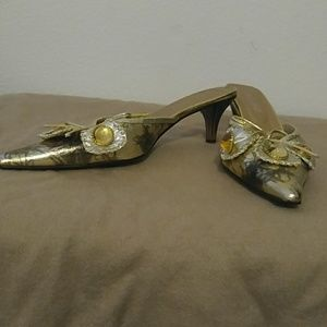 Ashro Shoes - Golden Mules